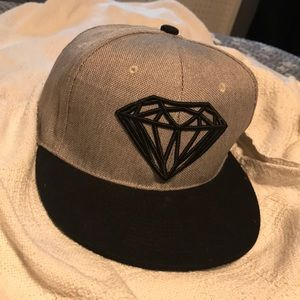Diamond supply co snap back